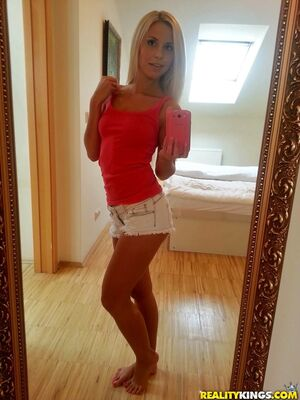 Mikes Apartment - Cute amateur hookups for sex after sending nude self shots