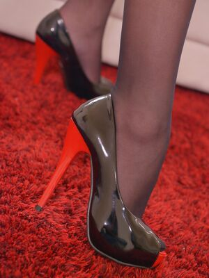 DDF Network - Elegant beauty Aislin plays with dildo and teases with her long legs and feet