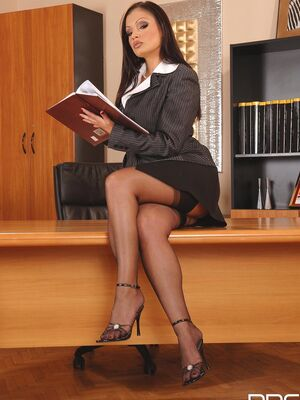 DDF Busty - Sexy MILF Aria Giovanni flaunts her incredible bosom and poses at work